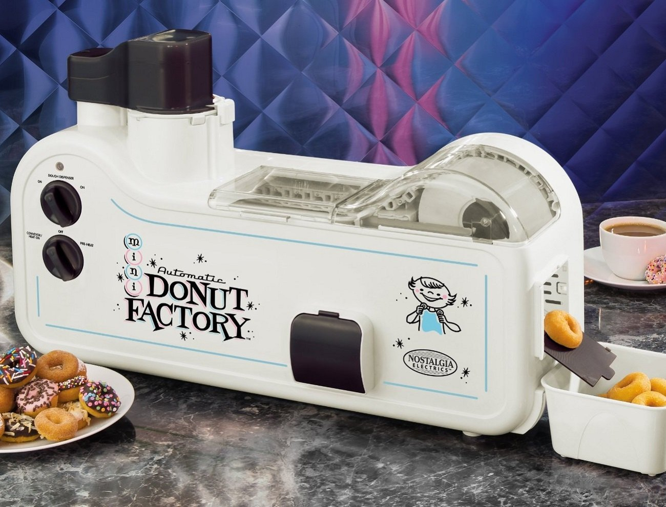 automatic mini donut factory by nostalgia electrics gadget flow. Black Bedroom Furniture Sets. Home Design Ideas