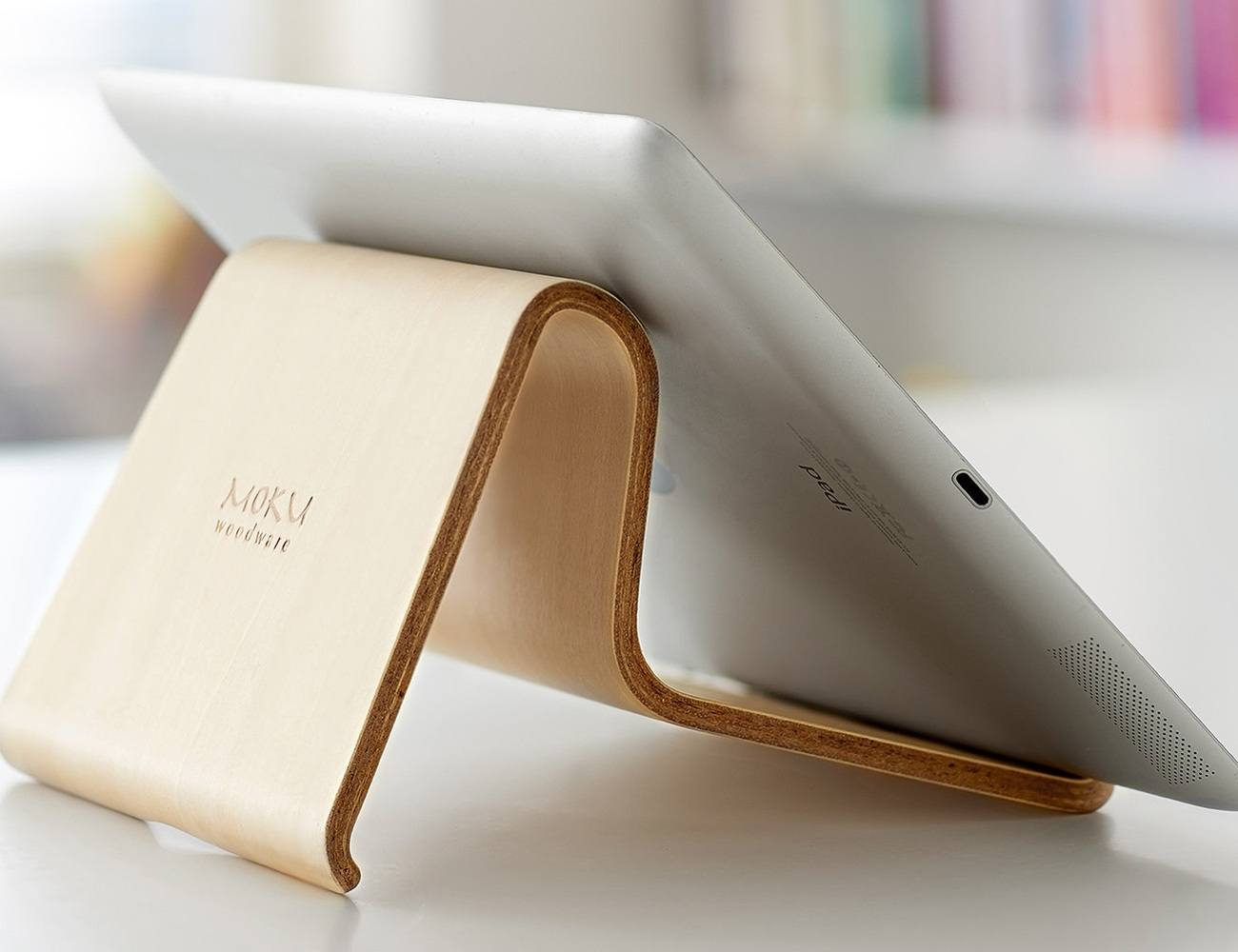 Desktop Chair For iPad And MacBook