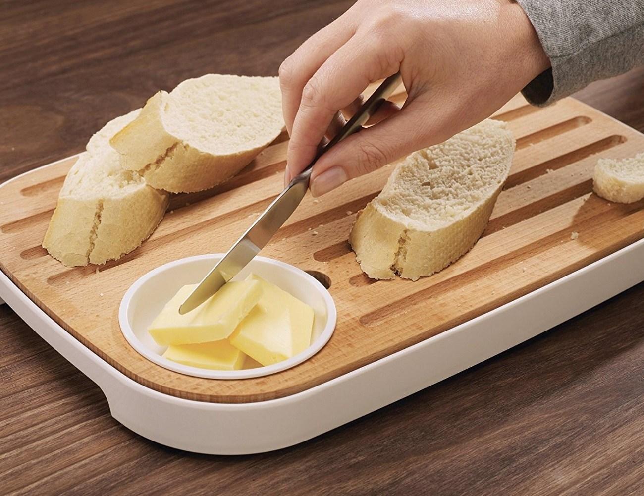 Slice & Serve Bread And Cheese Board By Joseph Joseph