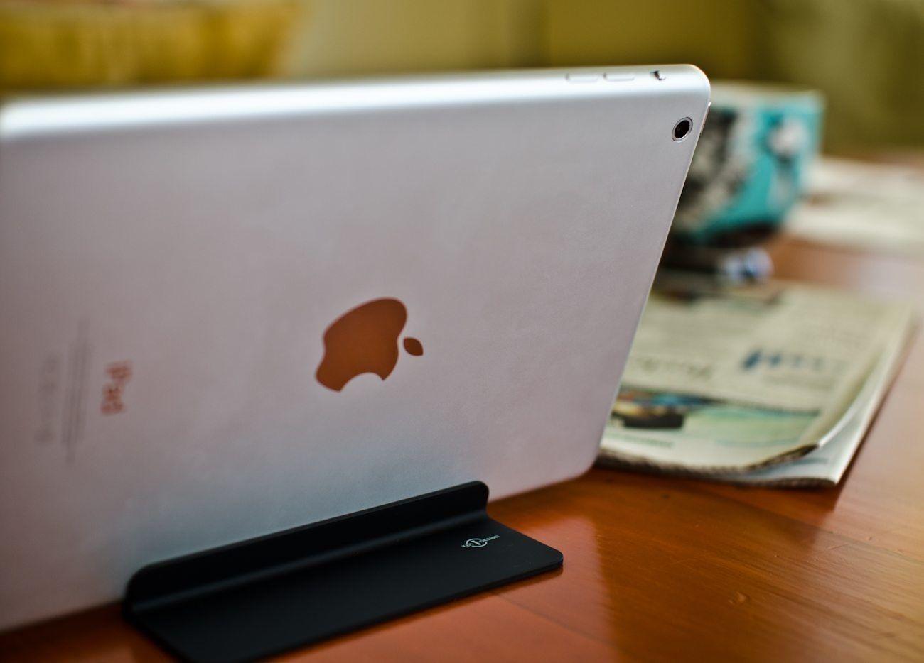 Magnus Magnetic iPad Stand