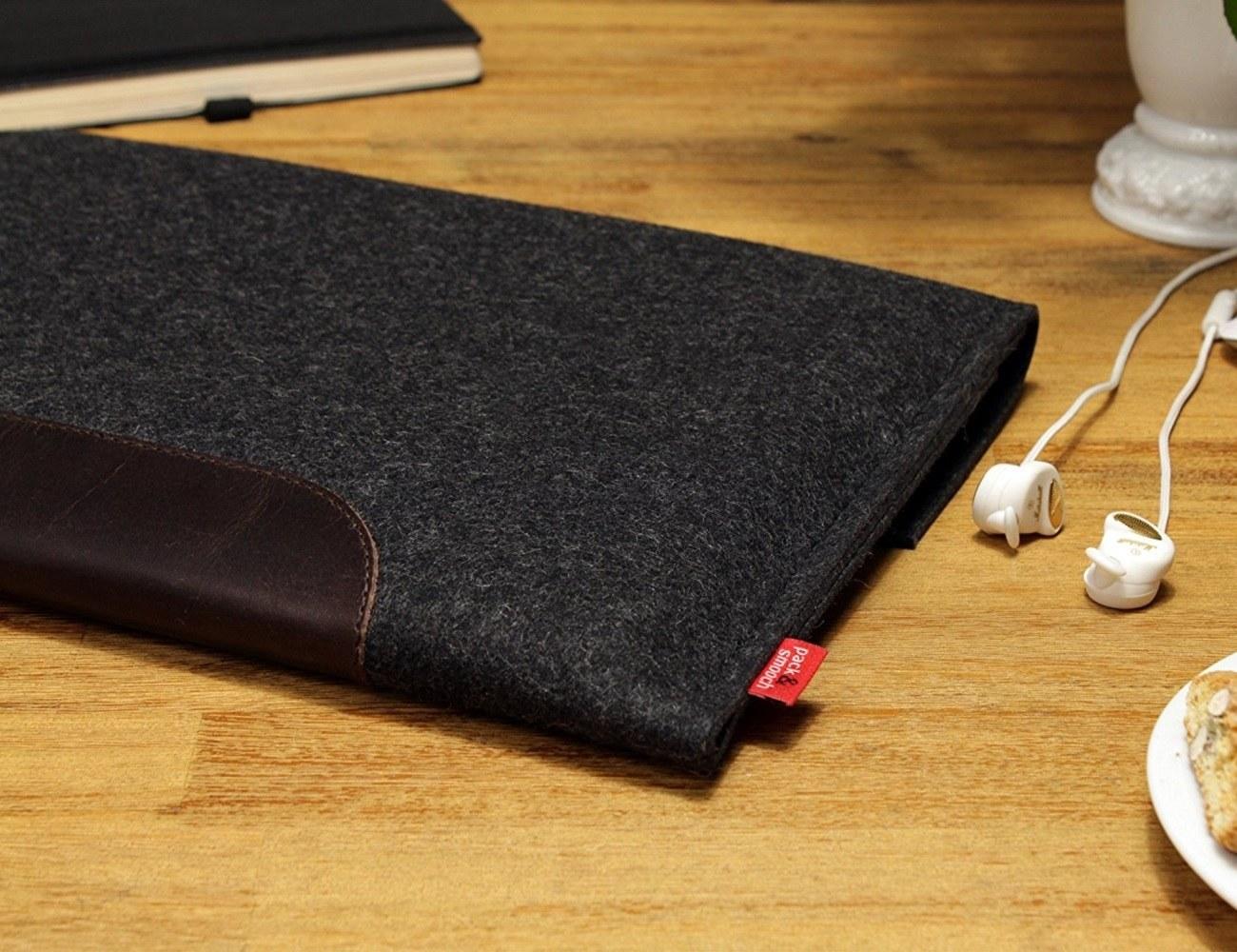 Wool MacBook Sleeve by Pack & Smooch