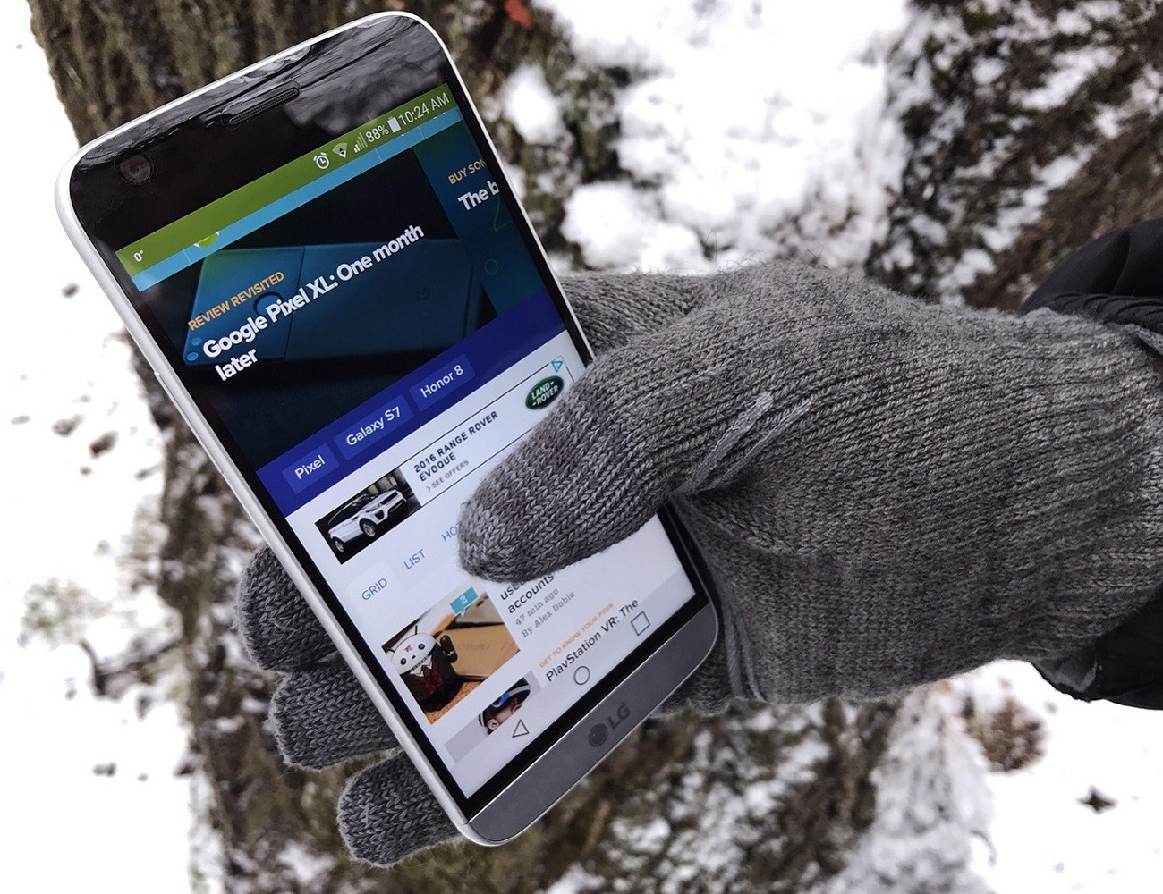 Digits Touchscreen Gloves by Moshi