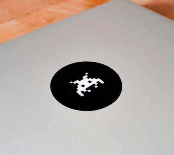 Space+Invaders+MacBook+Decal