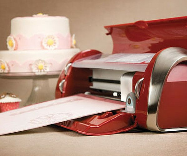 Cake Decorating Binder How To Use : Cricut Cake Personal Electronic Cutter   Gadget Flow