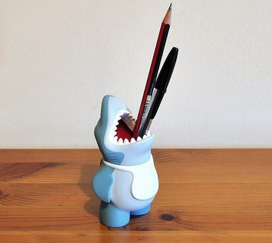 shark-pencil-pot