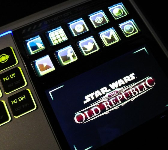 star-wars-keyboard-with-lcd-touchpad-2