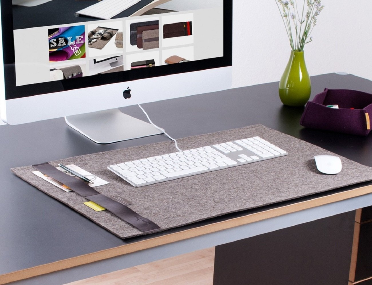 DeskPad Classic – Felt Desktop Pad With Leather Strip