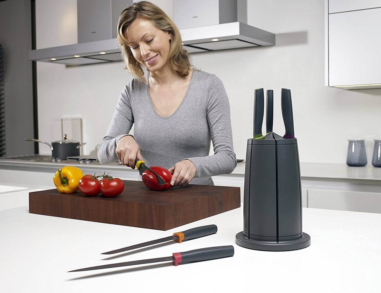Elevate Knives Carousel Set – Rotating Knife Block by Joseph Joseph
