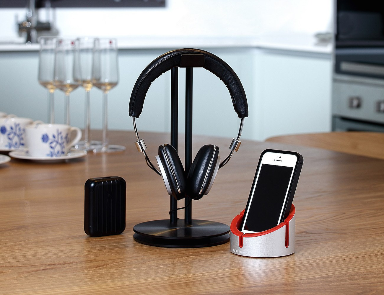 HeadStand – For Your Headphones By Just Mobile
