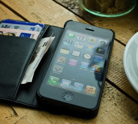 Hex Axis Wallet For iPhone 5