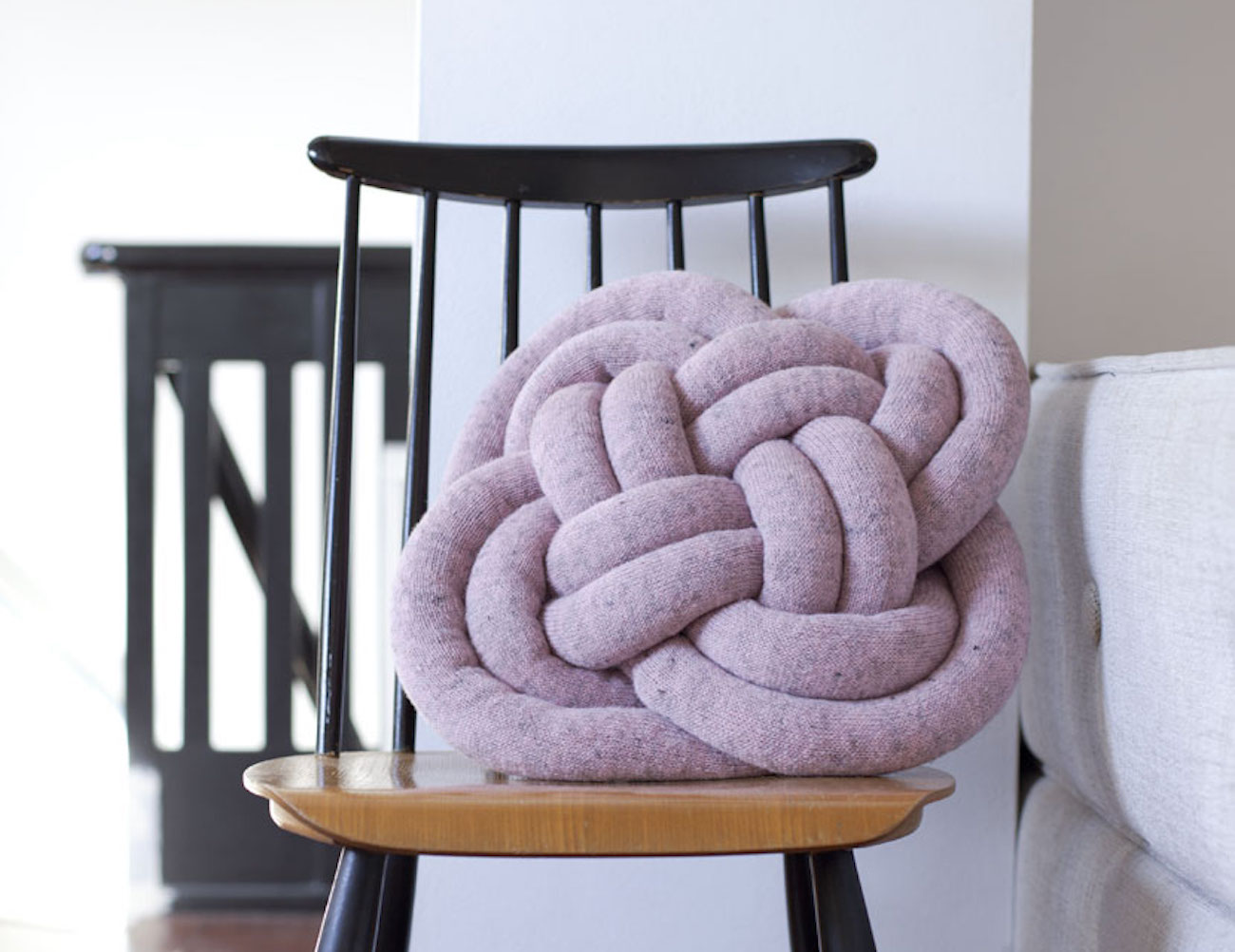 Notknot Pillow Cosy Oversized Knotted Pillow Gadget Flow