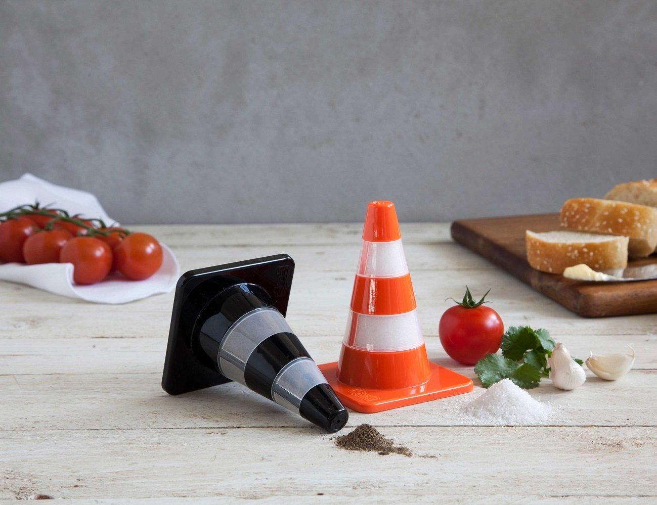 Salt & Pepper Cones – In Classic Cone Shape