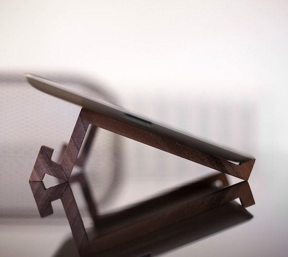 nuburo_ipad_wooden_stand_005