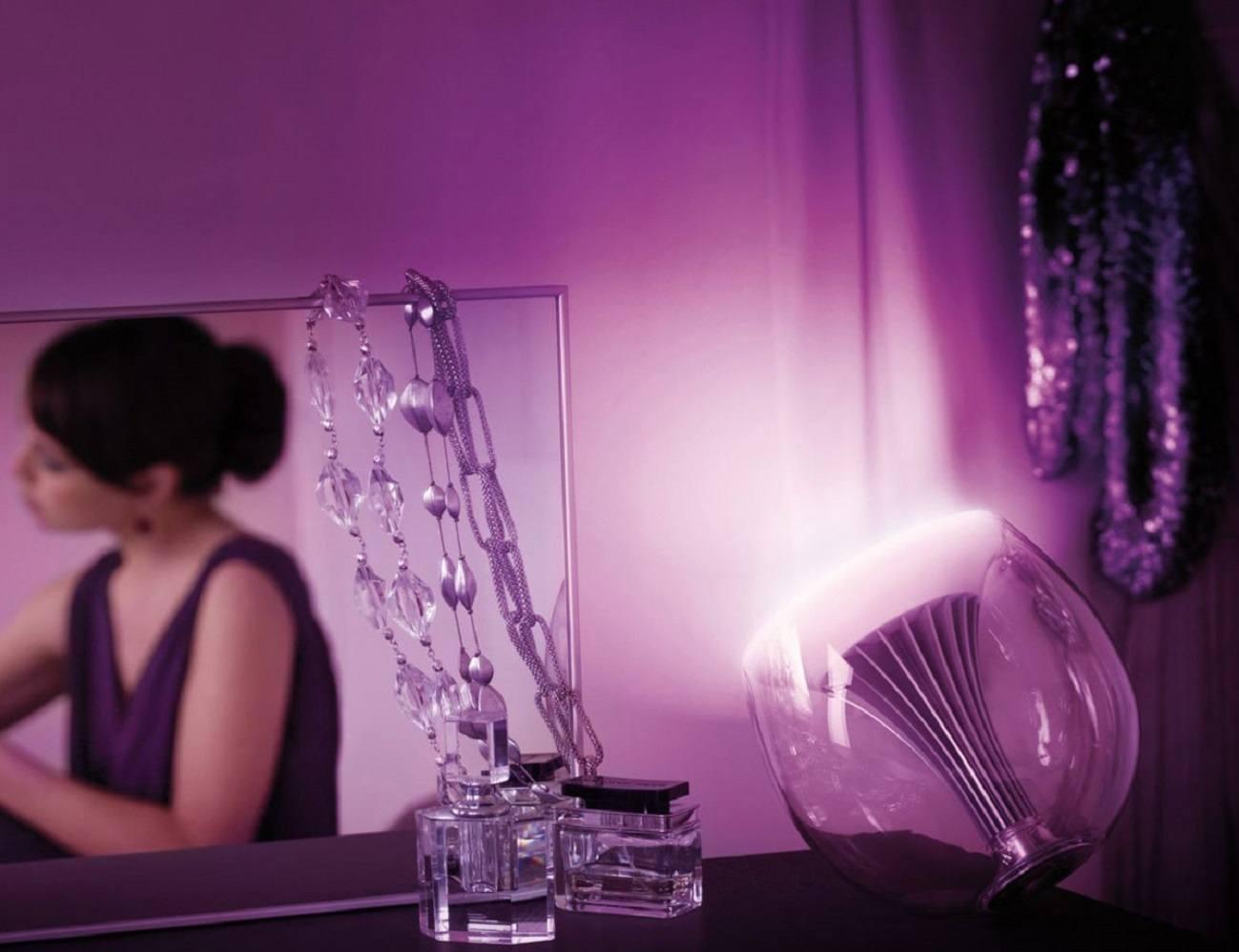 Philips LivingColors Translucent Changing LED Lamp