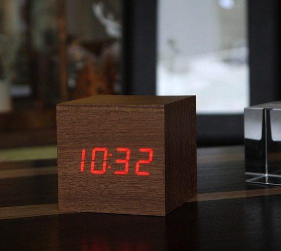 LED+Teak+Cube+Alarm+Clock