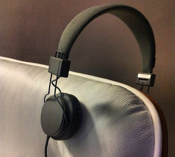 Plattan Black Headphones