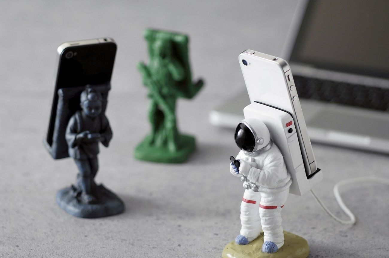 Astronauts Phone Stand 187 Gadget Flow
