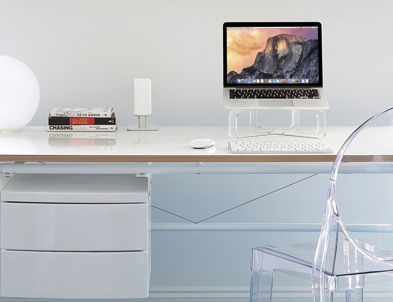 GhostStand for MacBook
