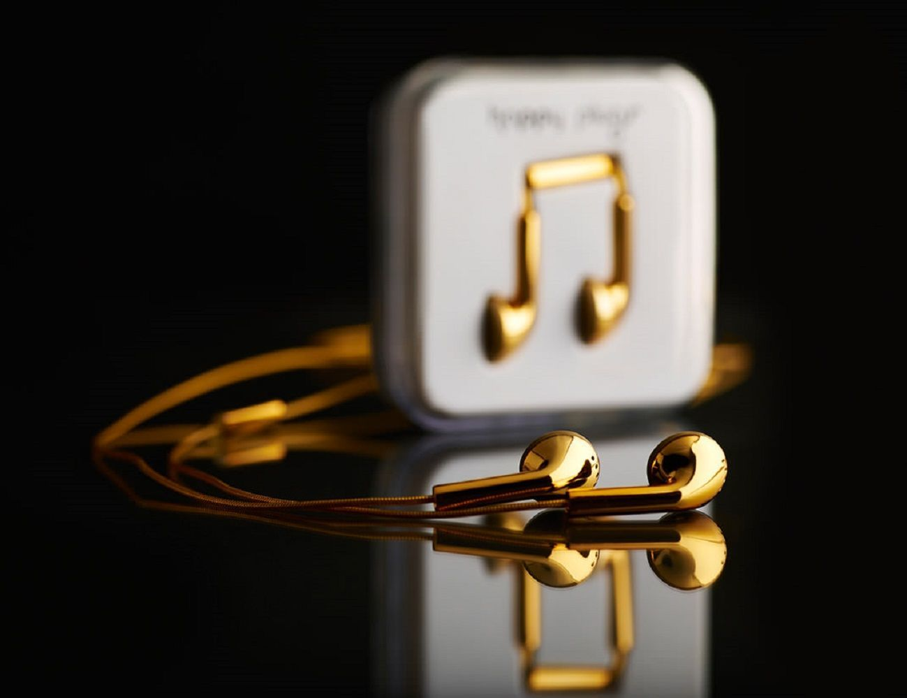 gold iphone headphones happy plugs gold earbuds 187 gadget flow 3153