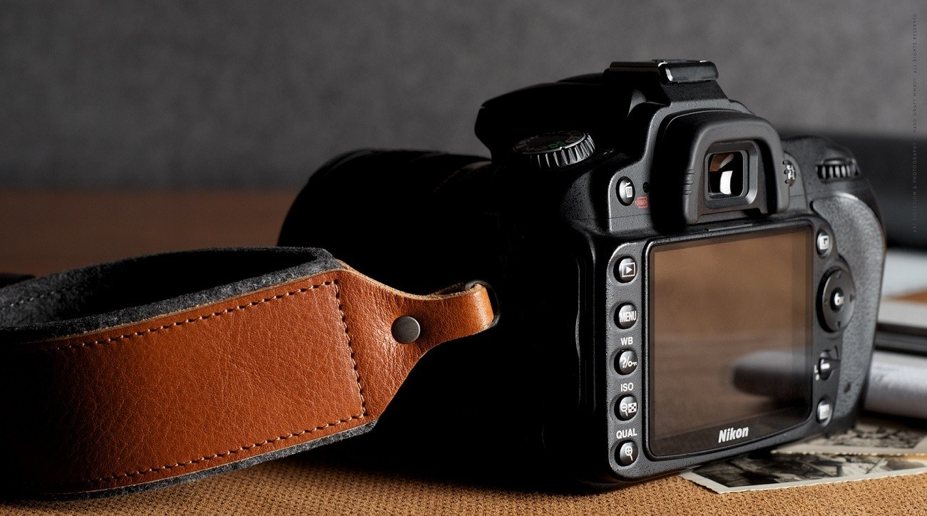 Hold Camera Handle