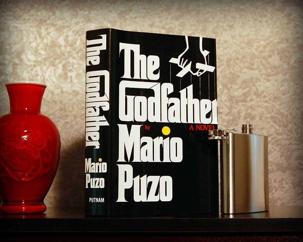 The+Godfather+Secret+Safe+Flask+Book