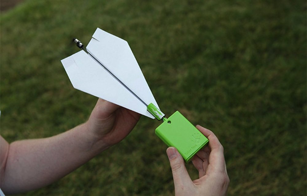 paper plane controlled with iphone ios application2