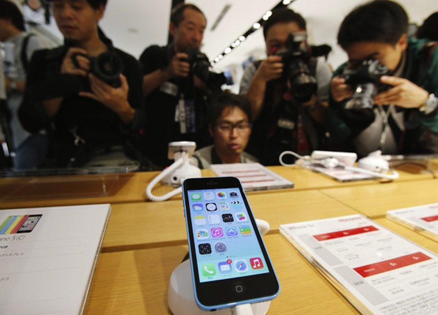 tech-iphone-5s-queues-4