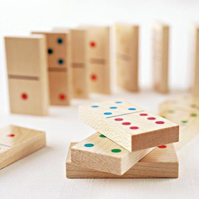 Classic+Wooden+Dominoes+Set