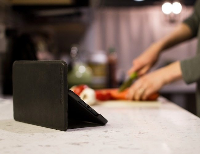 FLUX+FLAP: iPad Case with MAGNETS for Unlimited Angles