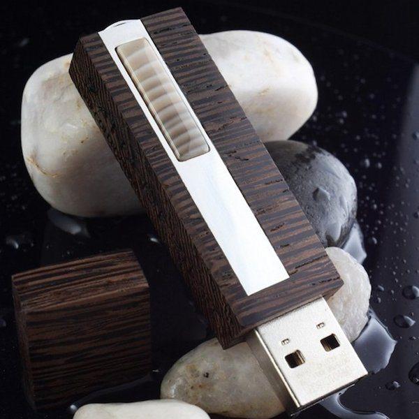 VIP Firestone Wenge 32GB USB 3.0 Flash Drive