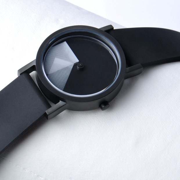 Deja Vu White Timepiece