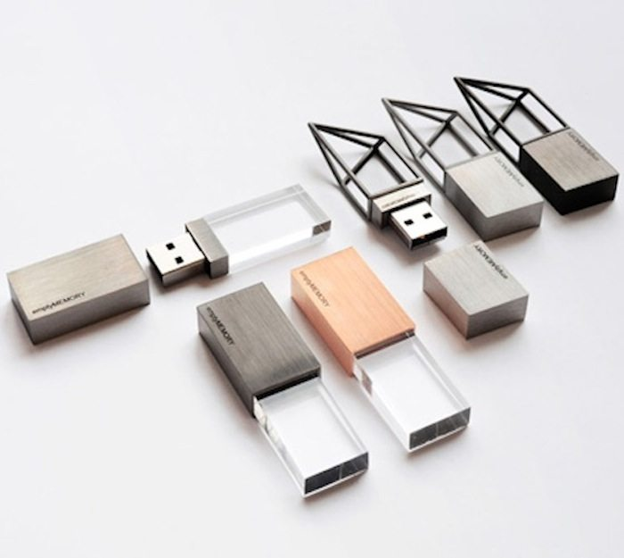 Empty-Memory-USB-Drives-