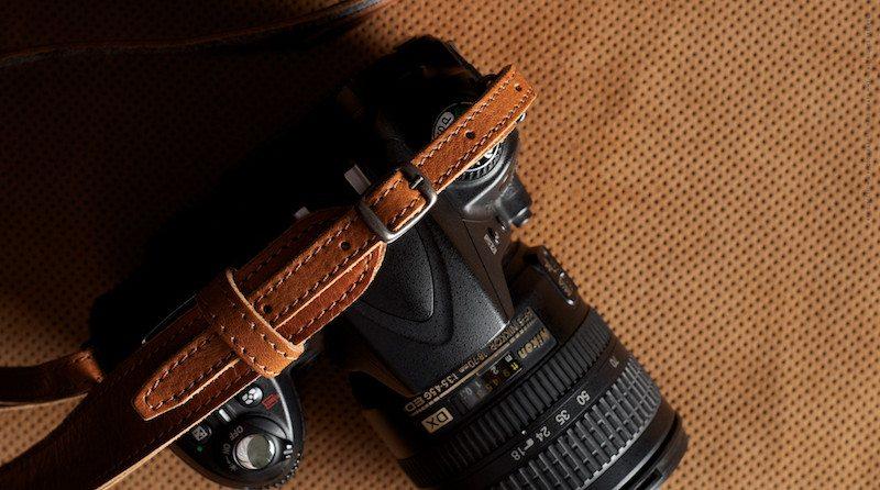 Hang-Camera-Strap-04
