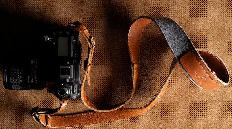 Hang-Camera-Strap-05@2x