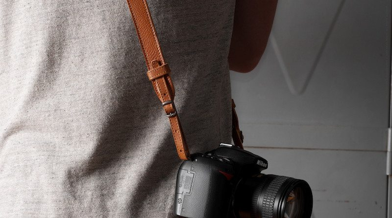 Hang-Camera-Strap-09