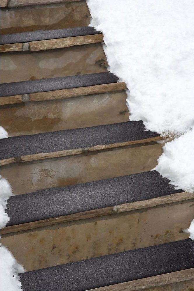 Heattrak residential snow melting stair mat gadget flow for Best doormat for snow