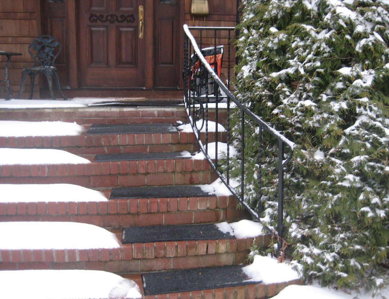 HeatTrak+Residential+Snow-Melting+Stair+Mat