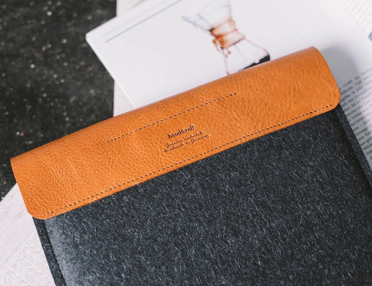 iPad mini Sleeve Courier loading=