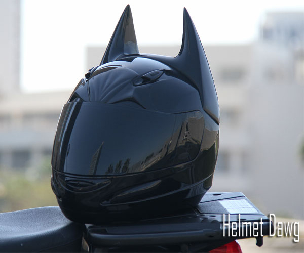 HD100 – Dark Knight Inspired Motorcycle Helmet