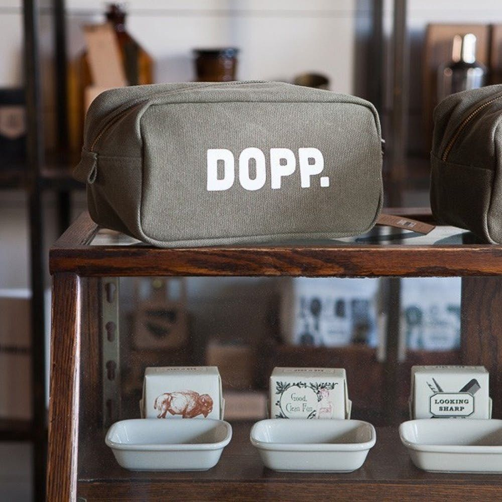 Izola Grooming Dopp Kit