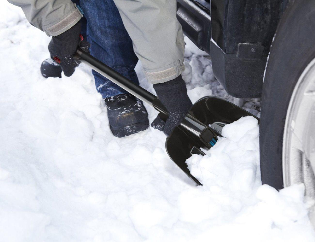 Zeus Snow Shovel and Brush