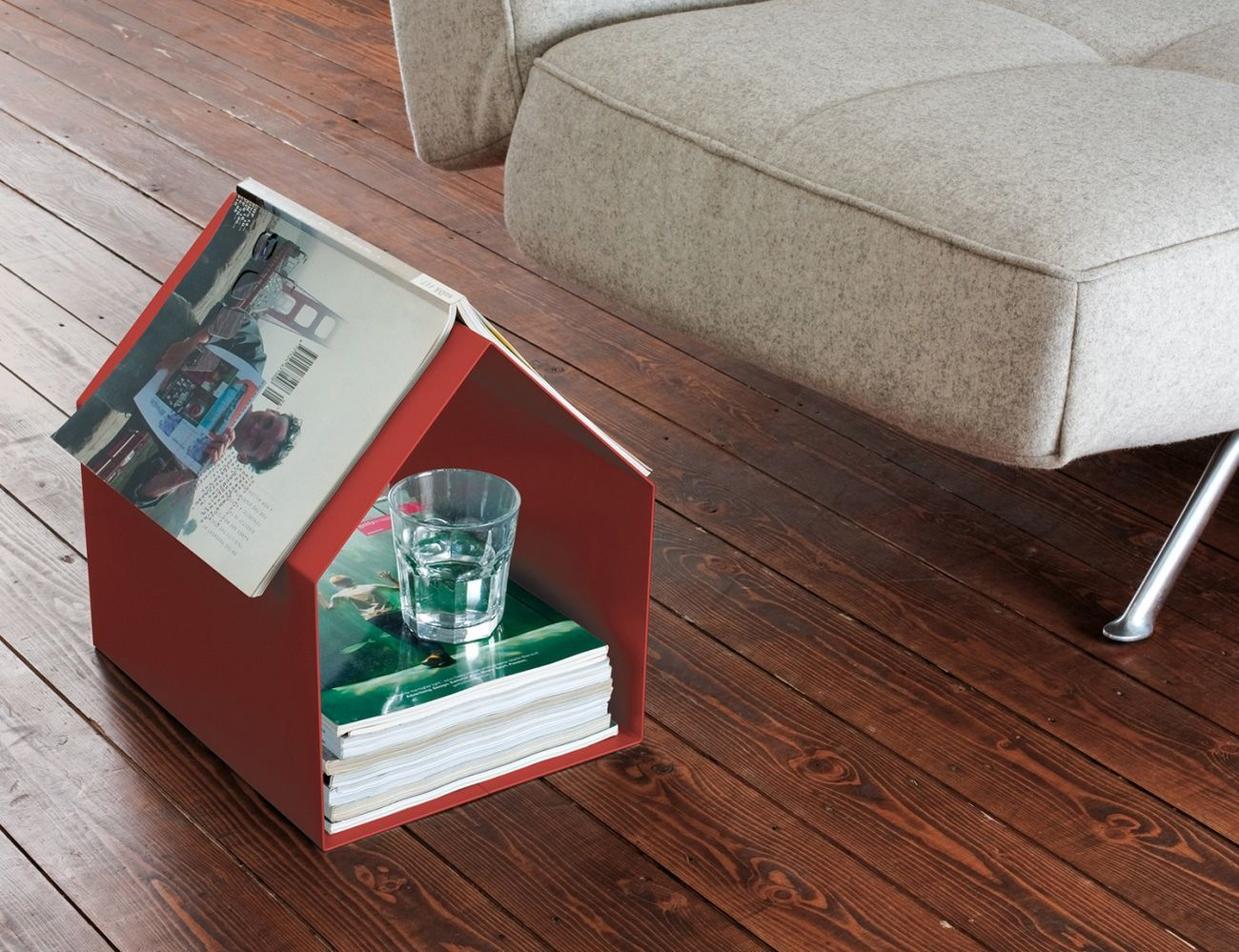 MAGAZIN+House+Shaped+Magazine+Stand