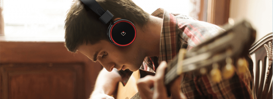 Whitelabel RaveTouch Headphones Bring a New Feel to Headphones