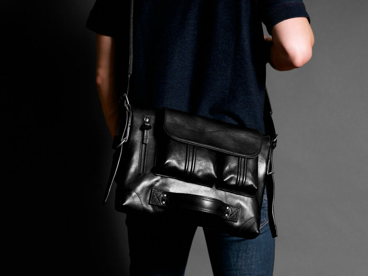 hardgraft 2Unfold foldable multiuse laptop bag has custom-dyed fibers & German perfection
