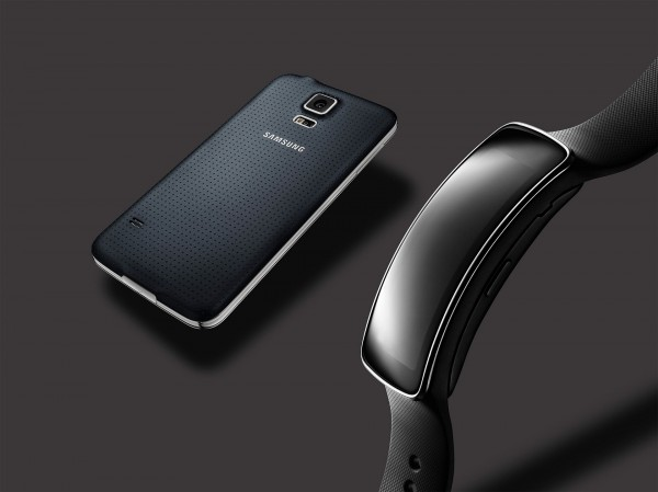 Samsung Galaxy S5 and Gear Fit Show the Promise and Beauty of Technology Working in Tandem