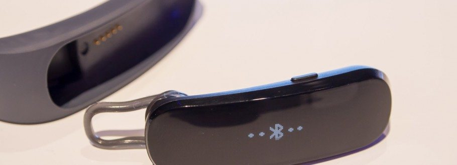 Huawei TalkBand B1 is the First Hybrid Smartwatch That Does More Than Just Sit On Your Wrist