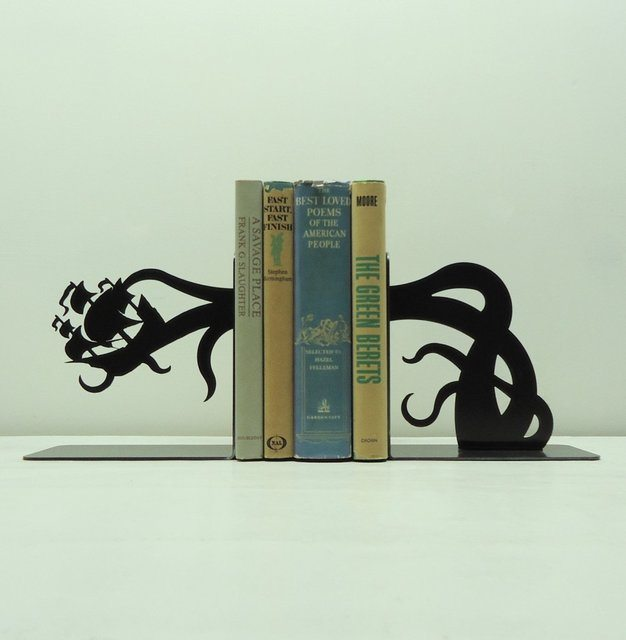 Tentacle Pirate Ship Attack Bookends
