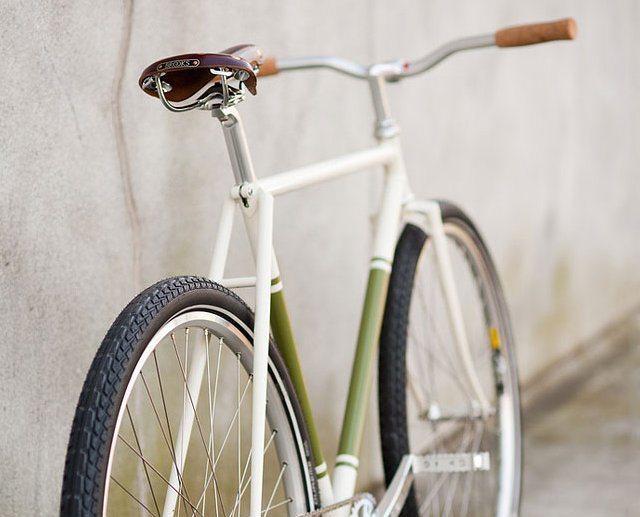 B15 Swallow Bike Saddle by Brooks