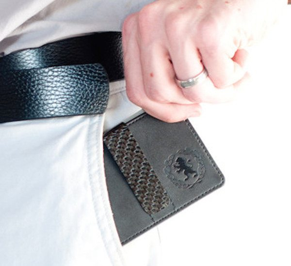 carbon-fiber-money-clip-01