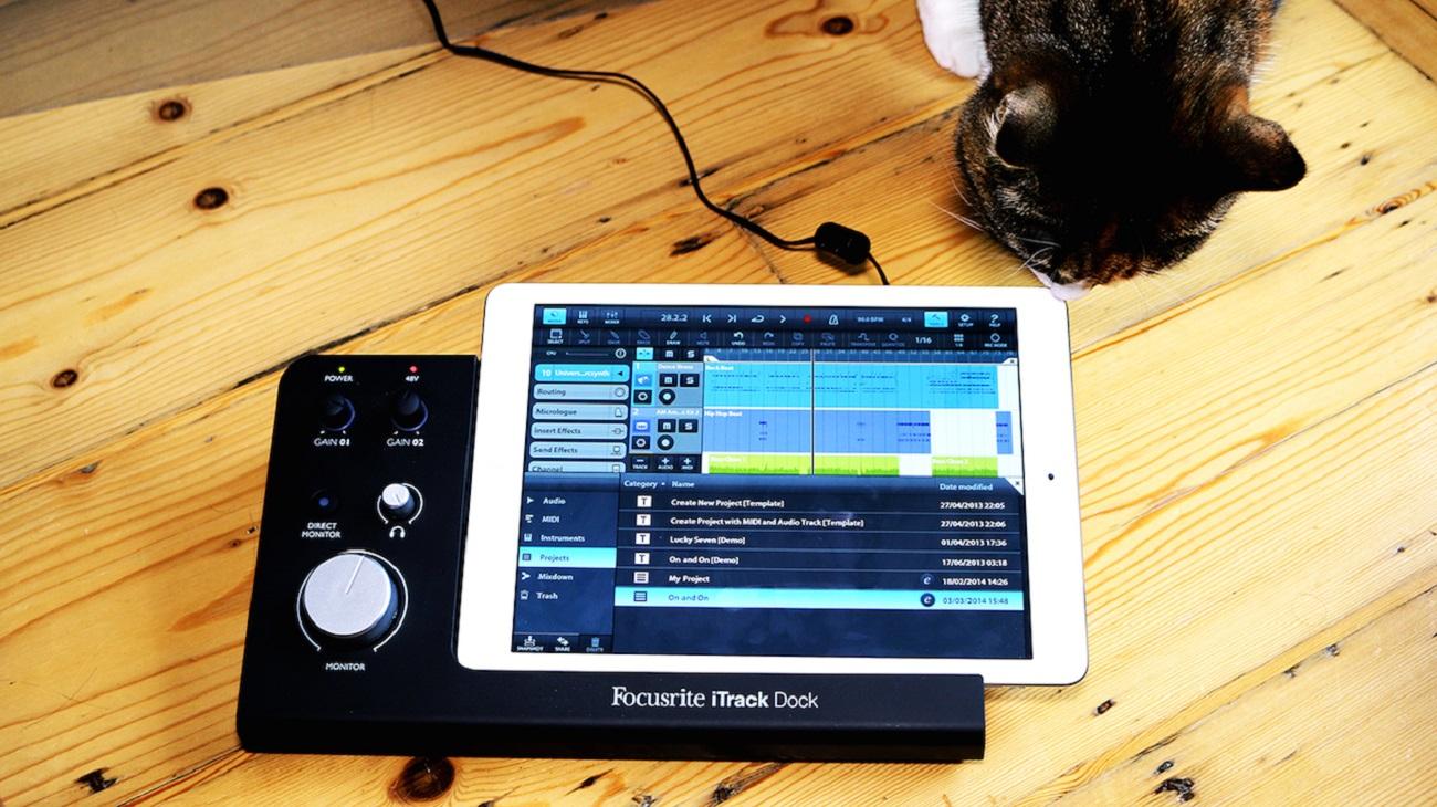 Focusrite+ITrack+Professional+Dock+For+Recording+On+IPad